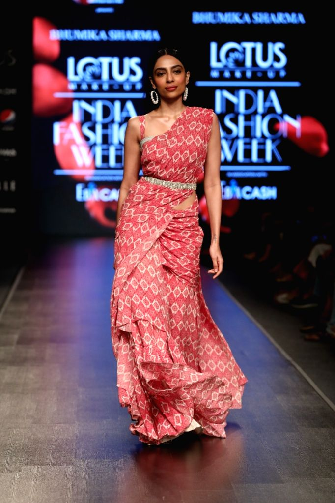 Actress Sobhita Dhulipala showcases the creation of fashion designer Bhumika Sharma on the third day of Lotus Make-up India Fashion Week, in New Delhi on Oct 11, 2019. - Sobhita Dhulipala and Bhumika Sharma