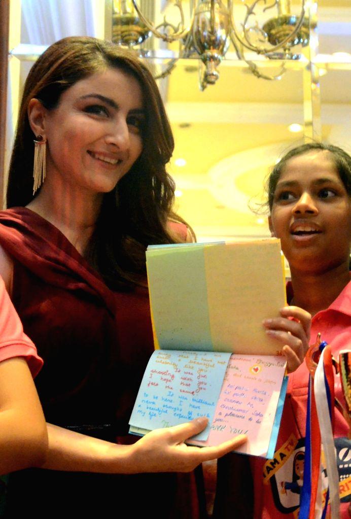 Actress Soha Ali Khan during 'Classmate Spell Bee Season 9' in Mumbai on March 14, 2017. - Soha Ali Khan