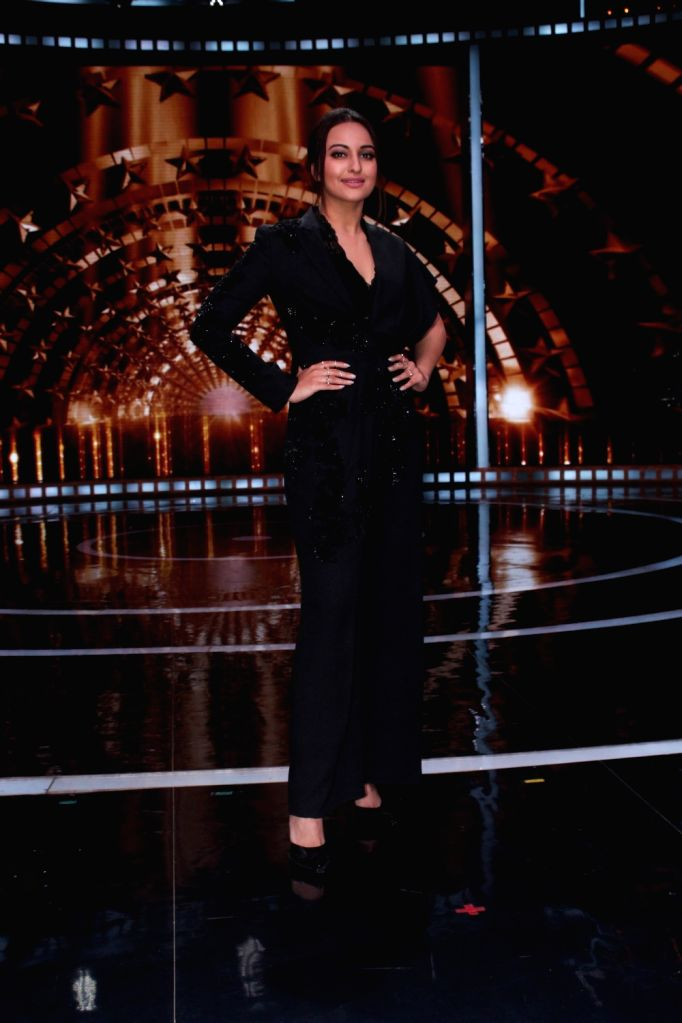 Actress Sonakshi Sinha on the sets of reality show India's Next Superstars in Mumbai on Feb 15, 2018. - Sonakshi Sinha