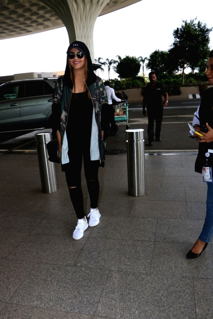 Actress Sonakshi Sinha spotted at Chhatrapati Shivaji Maharaj International airport in Mumbai. - Sonakshi Sinha