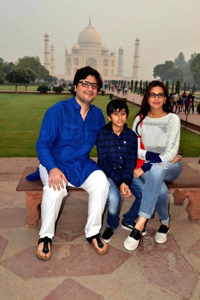 Actress Sonali Bendre during her visit to the  Taj Mahal in Agra, on Nov 14, 2015.