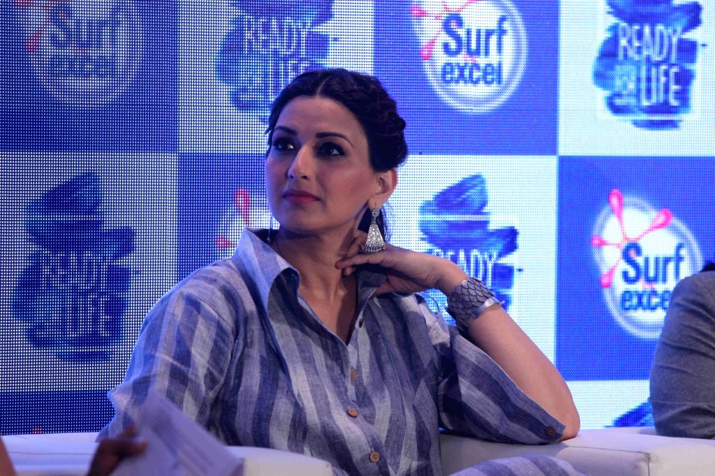 Actress Sonali Bendre during Ready For Life campaign promoted by Surf excel, in Mumbai, on April 21, 2016. - Sonali Bendre