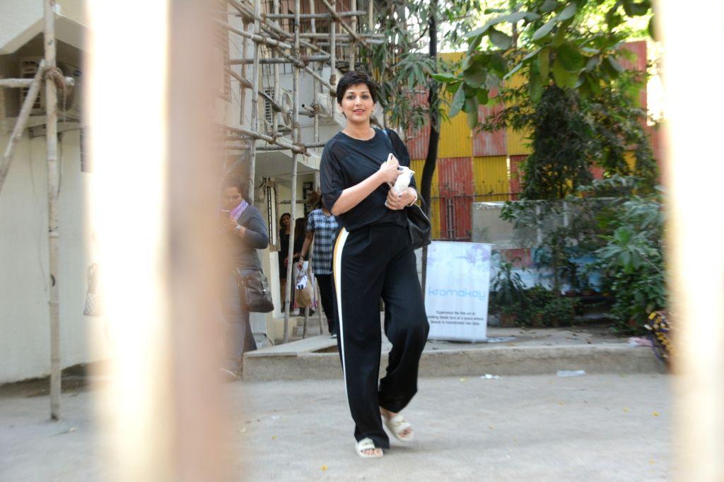 Actress Sonali Bendre seen in Mumbai's Juhu, on May 26, 2019. - Sonali Bendre