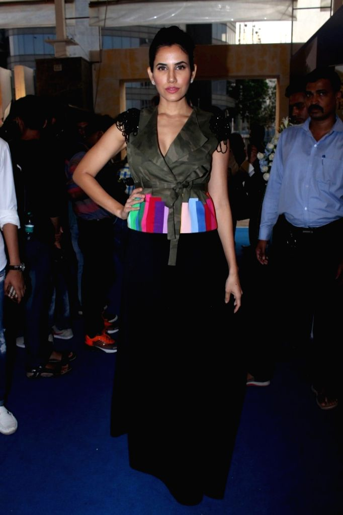 Actress Sonali Seygall Walks Ramp For Agrima Batra At Joya Fashion & Lifestyle Exhibition in Mumbai on Sept 12, 2017. - Sonali Seygall Walks Ramp For Agrima Batra A