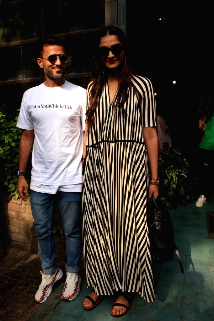 Actress Sonam Kapoor along with her Anand Ahuja seen at a Pali Village Cafe in Bandra, Mumbai on June 1, 2018. - Sonam Kapoor
