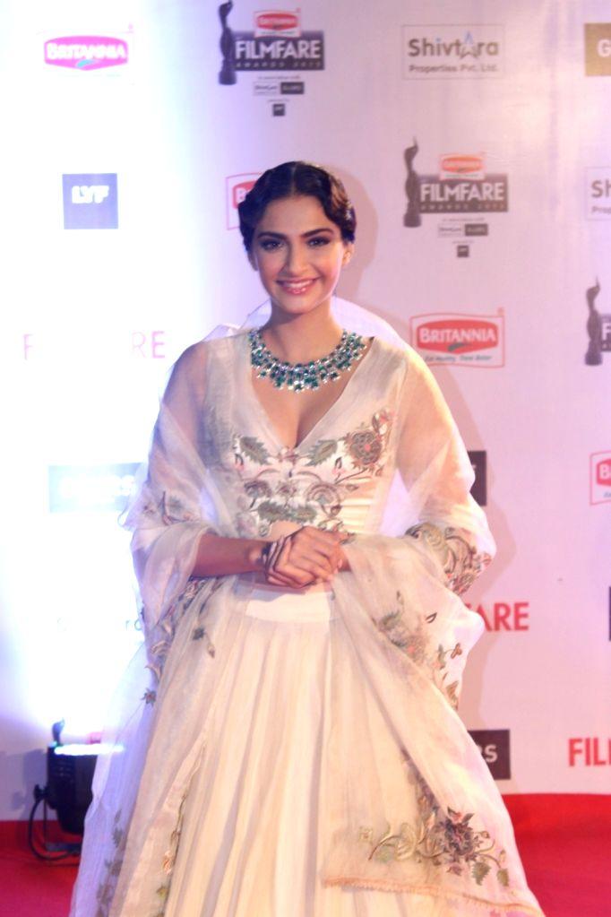 Actress Sonam Kapoor during the 61st Britannia Filmfare Awards in Mumbai on January 15, 2016. - Sonam Kapoor