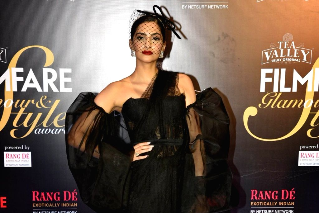 Actress Sonam Kapoor on the red carpet of Filmfare Glamour And Style Awards 2019, in Mumbai on Feb 11, 2019. - Sonam Kapoor
