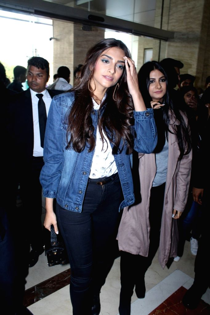 Actress Sonam Kapoor with her sister and filmmaker Rhea Kapoor during the launch of Rheason, a clothing brand in Mumbai on May 12, 2017. - Sonam Kapoor