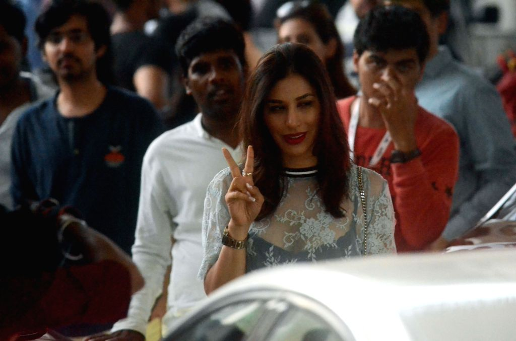 Actress Sophie Choudry arrives to attend Justin Bieber's show at DY Patil Stadium in Mumbai, on May 10, 2017. - Sophie Choudry