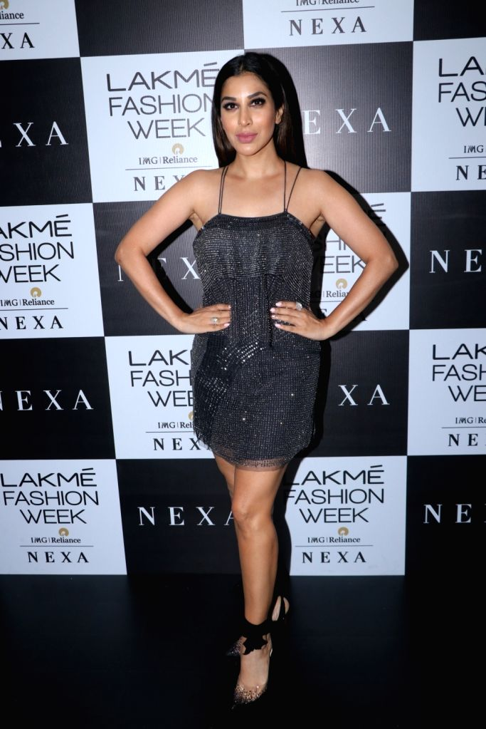 Actress Sophie Choudry at the Lakme Fashion Week Winter/Festive 2019 in Mumbai on Aug 24, 2019. - Sophie Choudry