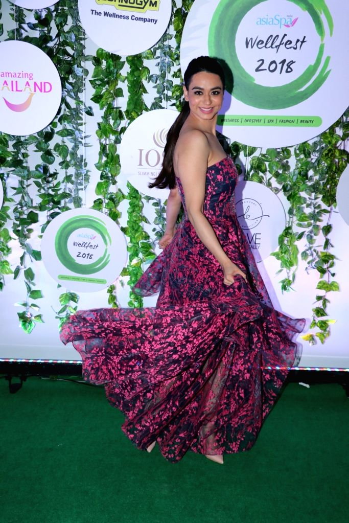 Actress Soundarya Sharma at the red carpet of Asia Spa Fit & Fabulous Awards 2018 in Mumbai on Oct 30, 2018. - Soundarya Sharma