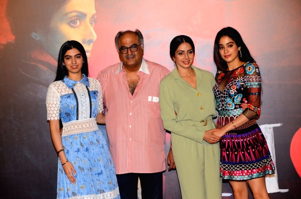 """Actress Sridevi and producer Boney Kapoor along with their daughter Khushi Kapoor and Jahnavi Kapoor during the trailer launch of their upcoming film """"Mom"""" in Mumbai, on June 3, ... - Sridevi, Khushi Kapoor and Jahnavi Kapoor"""