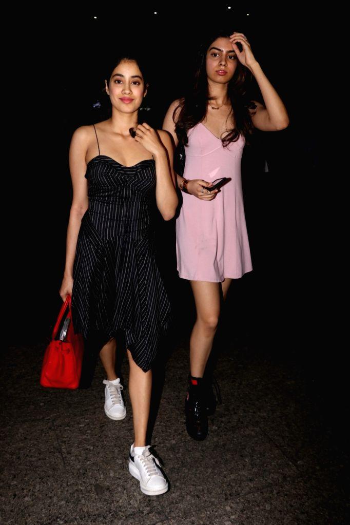 Actress Sridevi's daughters Jhanvi Kapoor and Khushi Kapoor spotted at Chhatrapati Shivaji Maharaj International airport in Mumbai on Sept 18, 2017. - Sridev, Jhanvi Kapoor and Khushi Kapoor