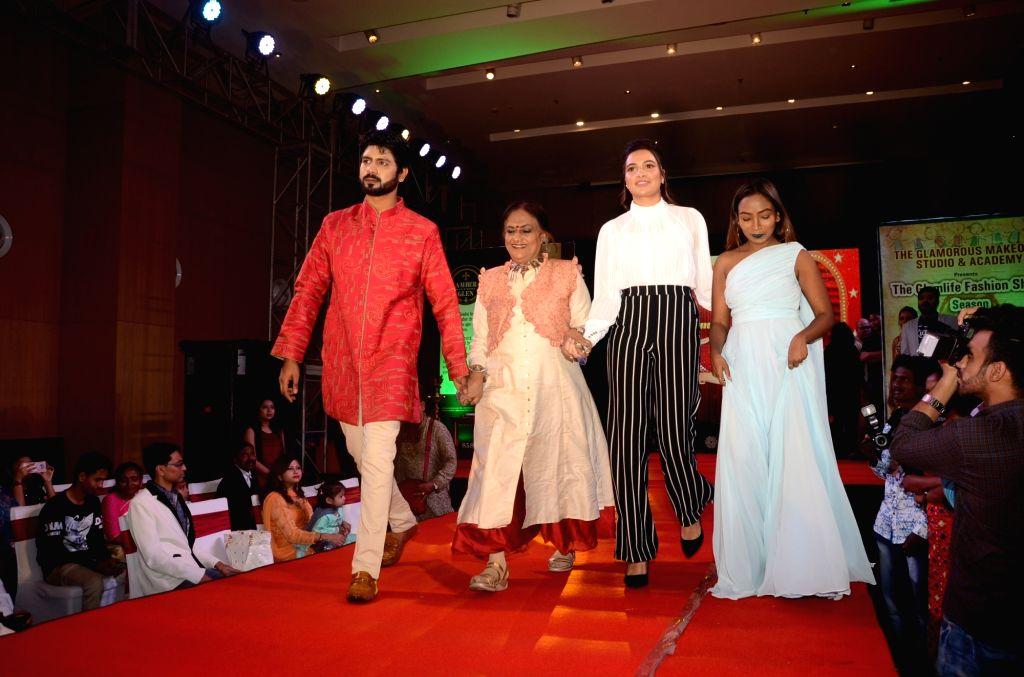 "Actress Subhashree Ganguly and fashion designer Sharbari Datta at ""The Glam Fashion Show"" in Kolkata, on March 3, 2019. - Subhashree Ganguly"