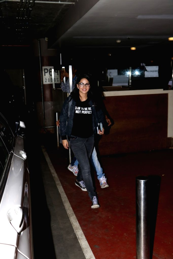 Actress Sunnny Leone at Chhatrapati Shivaji Maharaj International airport in Mumbai on Sept 18, 2017. - Sunnny Leone