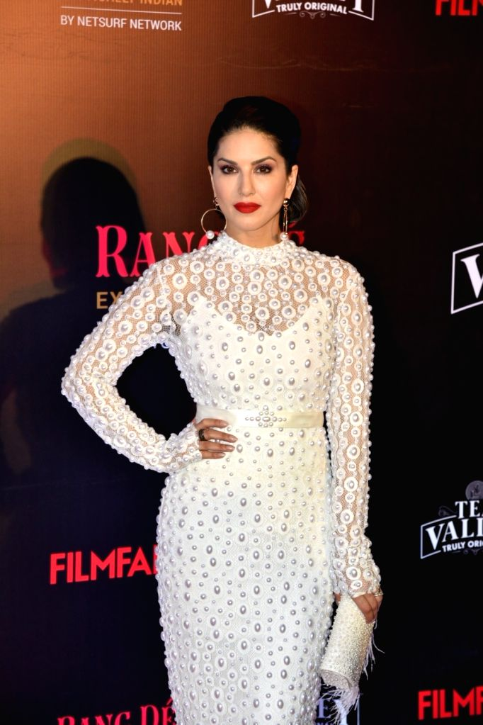 Actress Sunny Leone on the red carpet of Filmfare Glamour And Style Awards 2019, in Mumbai on Feb 11, 2019. - Sunny Leone