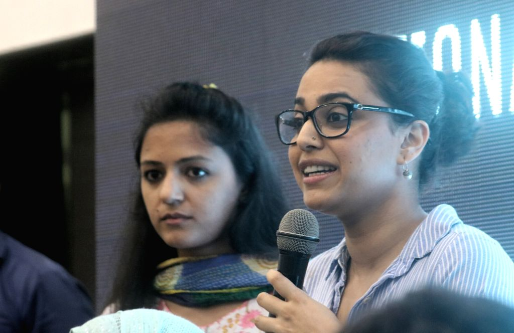 Actress Swara Bhaskar and AISA activist Shehla Rashid during a programme organised to launch National Campaign against Mob-lynching in New Delhi, on June 5, 2017. - Swara Bhaskar
