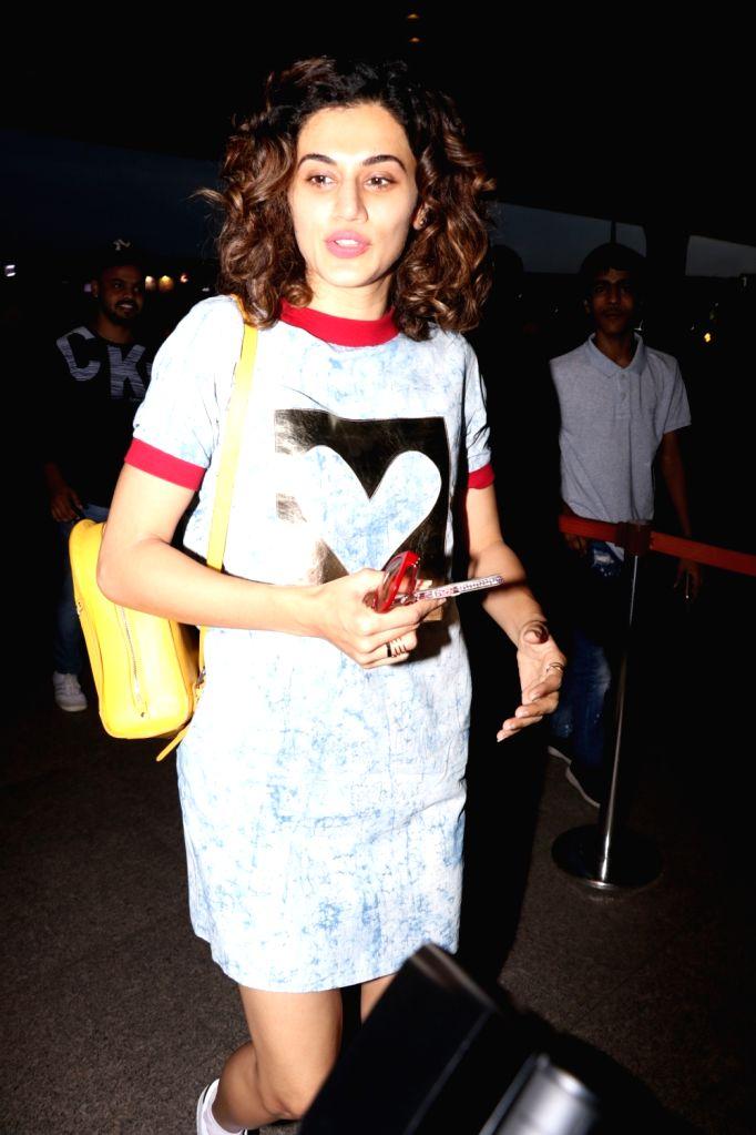 Actress Taapsee Pannu spotted at Chhatrapati Shivaji Maharaj International airport in Mumbai on Sept 19, 2017. - Taapsee Pannu