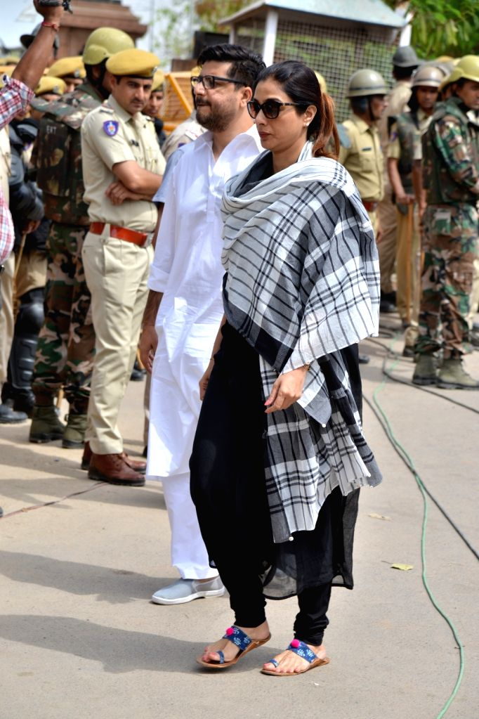 Actress Tabu arrives to appear before a Jodhpur rural court in connection with the hearing in black buck poaching case, on April 5, 2018. While Actor Salman Khan was found guilty on Thursday ... - Tabu, Salman Khan and Saif Ali Khan