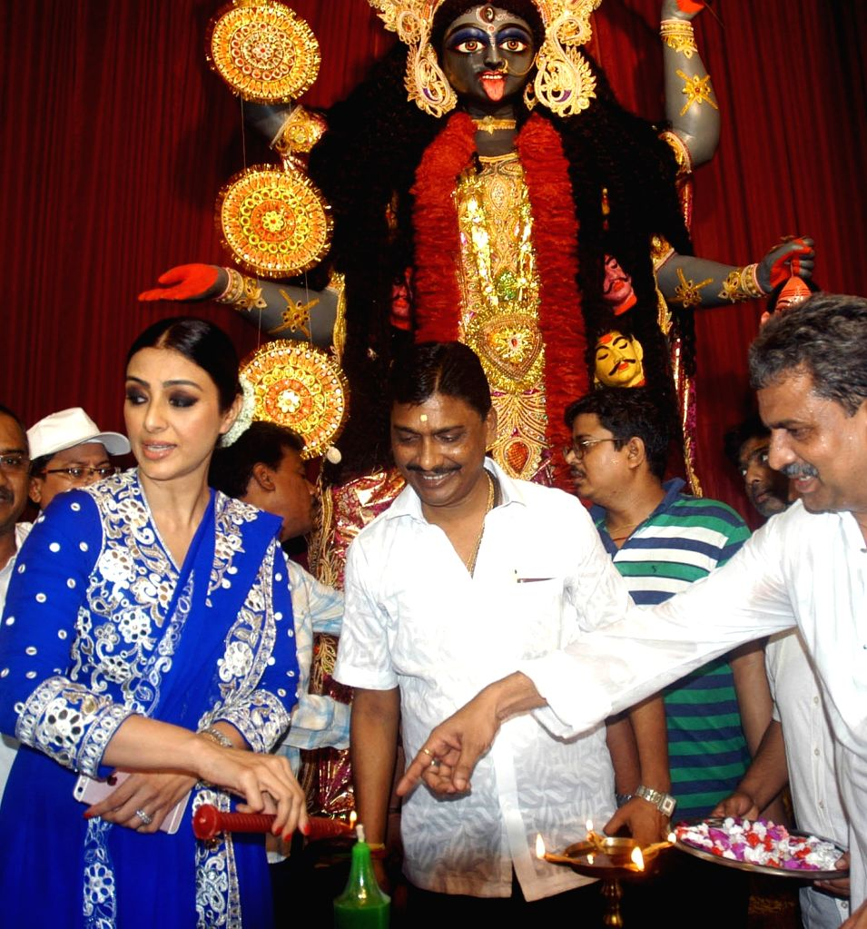 Actress Tabu during inauguration of a Kali Puja pandal in Kolkata on Oct 28, 2016. - Tabu