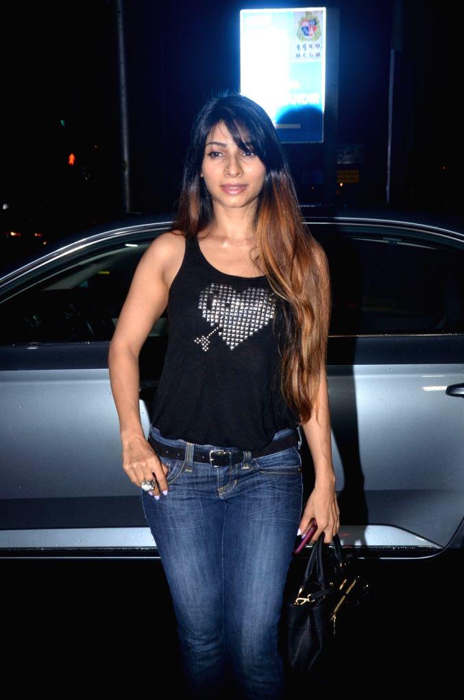 Actress Tanishaa Mukerji seen at Bandra in Mumbai on Sep 8, 2019. - Tanishaa Mukerji