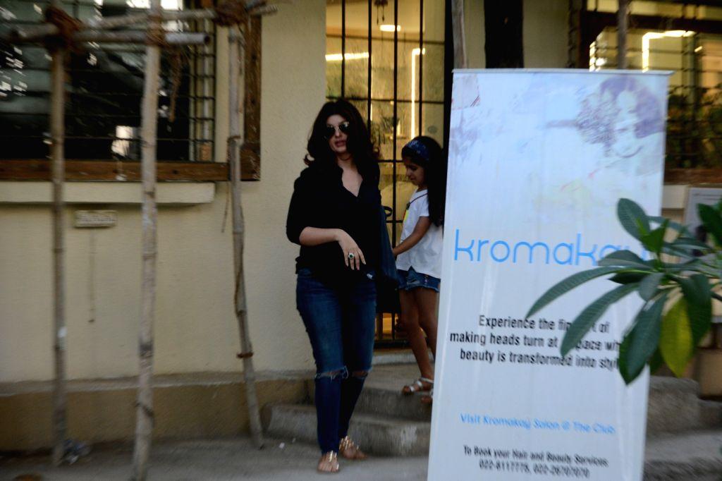 Actress Twinkle Khanna seen with her daughter Nitara at Mumbai's Juhu on May 11, 2019. - Twinkle Khanna