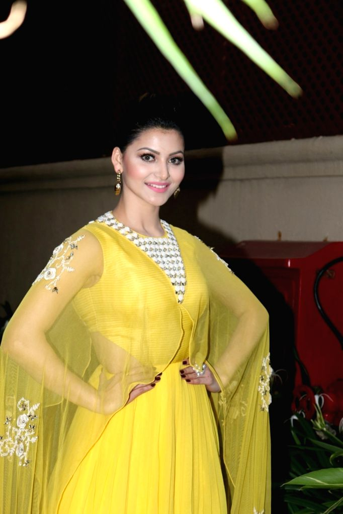 Actress Urvashi Rautela celebrates Diwali, The Hindu festival of lights in Mumbai on Oct 28, 2016. - Urvashi Rautela