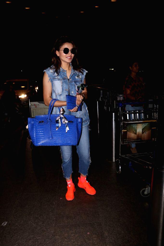Actress Urvashi Rautela spotted at Chhatrapati Shivaji Maharaj International airport in Mumbai on Sept 19, 2017. - Urvashi Rautela
