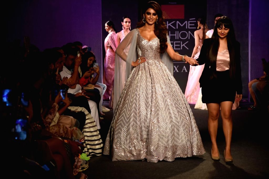 Actress Urvashi Rautela walks the ramp for designer Masumi Mewawalla at the Lakme Fashion Week Winter/Festive 2019 in Mumbai on Aug 25, 2019. - Urvashi Rautela