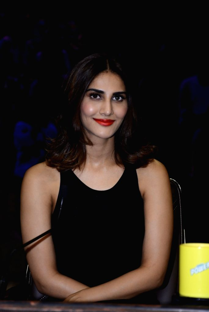 Actress Vaani Kapoor during the promotion of film Befikre on the sets of Sony TV reality show Super Dancer in Mumbai, on Nov 27, 2016. - Vaani Kapoor