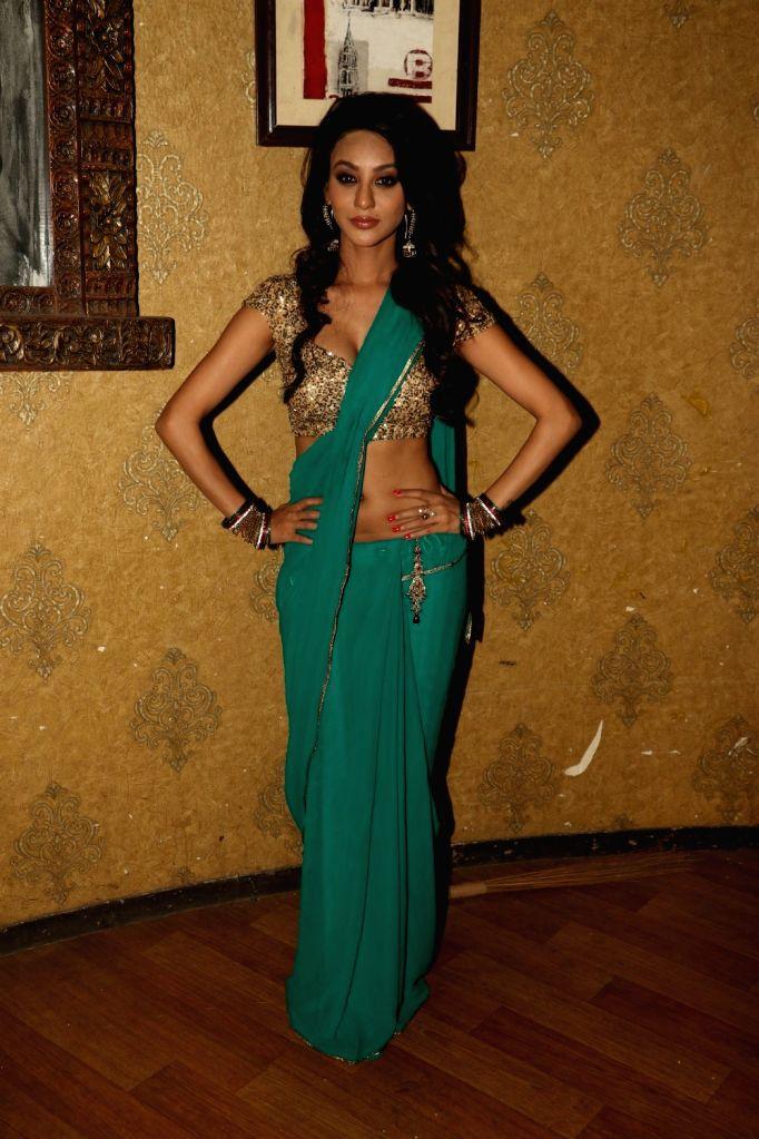 Actress Vedita Pratap Singh during the on location shoot of upcoming film JD, in Mumbai, on Aug 17, 2015. - Vedita Pratap Singh