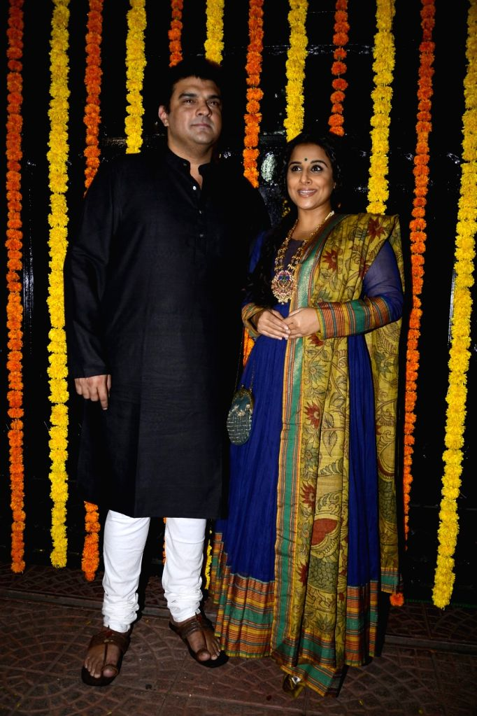 Actress Vidya Balan with her husband Siddharth Roy Kapur, MD and CEO, Disney India arrives to attend Ekta Kapoor's Diwali party in Mumbai on Oct 29, 2016. - Vidya Balan, Siddharth Roy Kapur and Ekta Kapoor