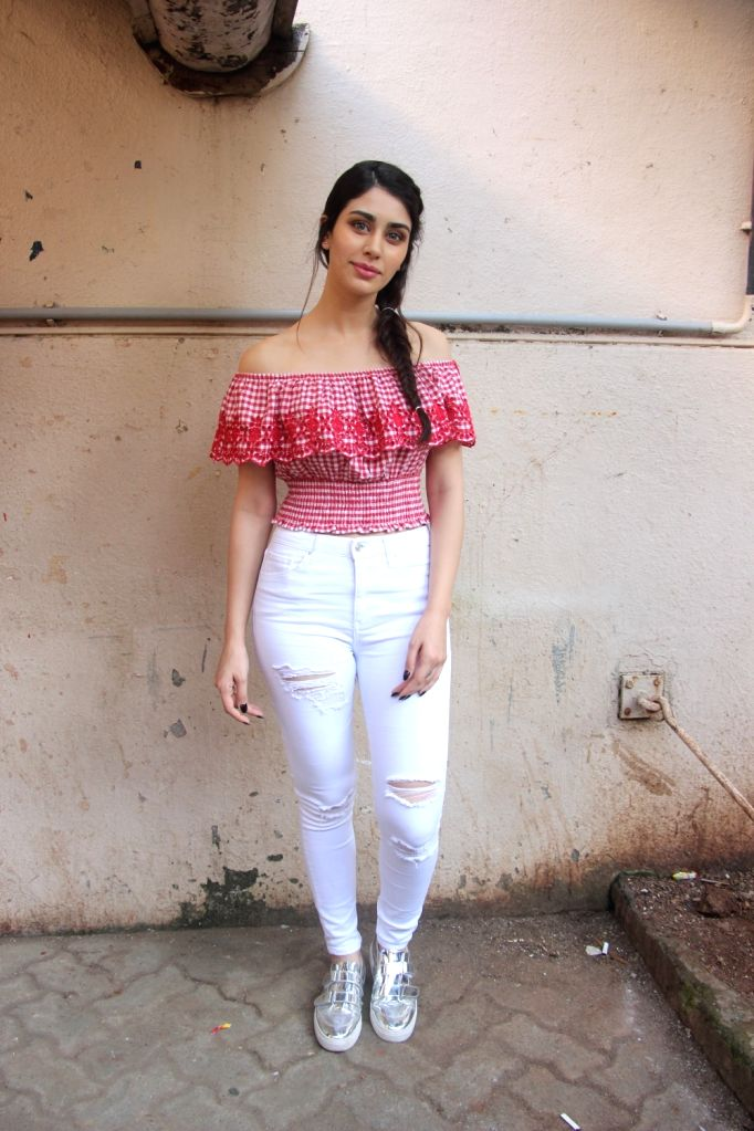 """Actress Warina Hussain at the promotion of her upcoming film """"Loveratri"""" in Mumbai on Sept 11, 2018. - Warina Hussain"""
