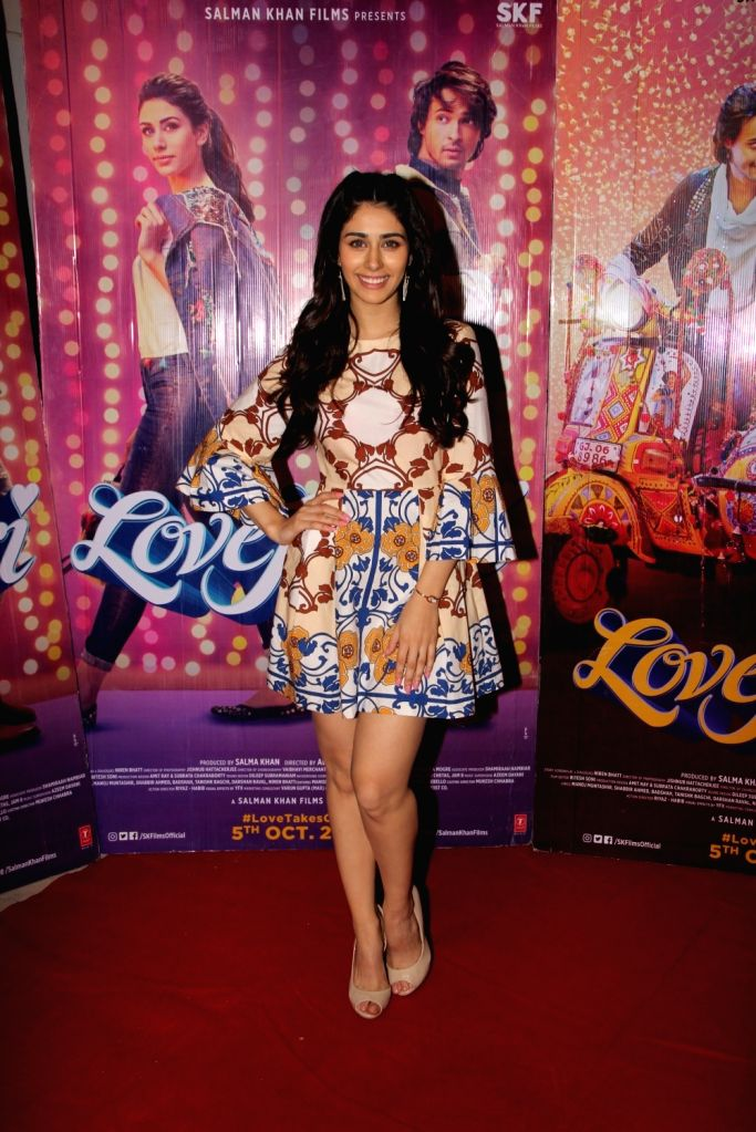 """Actress Warina Hussain during the promotions of her upcoming film """"Loveratri"""", in Mumbai on Sept 15, 2018. - Warina Hussain"""