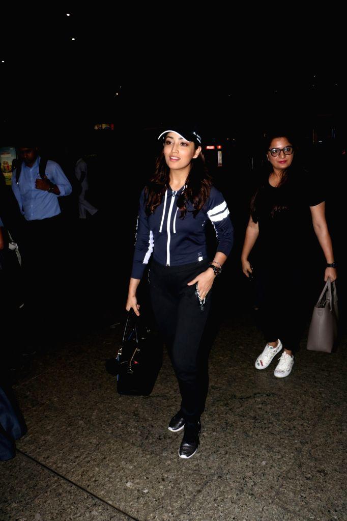 Actress Yami Gautam spotted at Chhatrapati Shivaji Maharaj International airport in Mumbai. - Yami Gautam