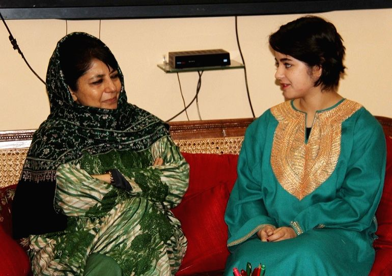 """Actress Zaira Wasim Khan who has played the role of wrestler Geeta Phogat in the film """"Dangal"""" calls on Jammu and Kashmir Chief Minister Mehbooba Mufti in Jammu on Jan 14, 2017. - Zaira Wasim Khan and Mehbooba Mufti"""
