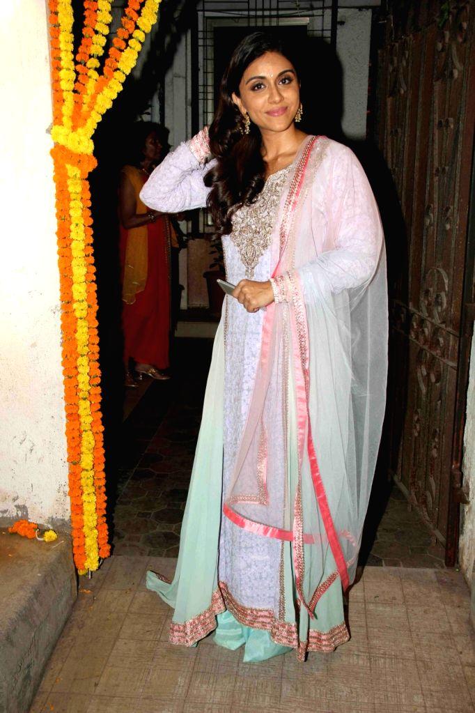 Actress Zoa Morani during the Fashion designer Masaba Gupta sangeet ceremony in Mumbai on November 21, 2015. - Zoa Morani