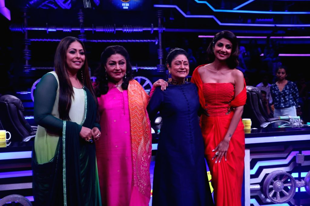 "Actresses Aruna Irani, Bindu, Shilpa Shetty Kundra and choreographer Geeta Kapoor on the sets of a dance reality show ""Super Dancer chapter 3"", in Mumbai on June 4, 2019. - Aruna Irani, Bindu, Shilpa Shetty Kundra and Geeta Kapoor"