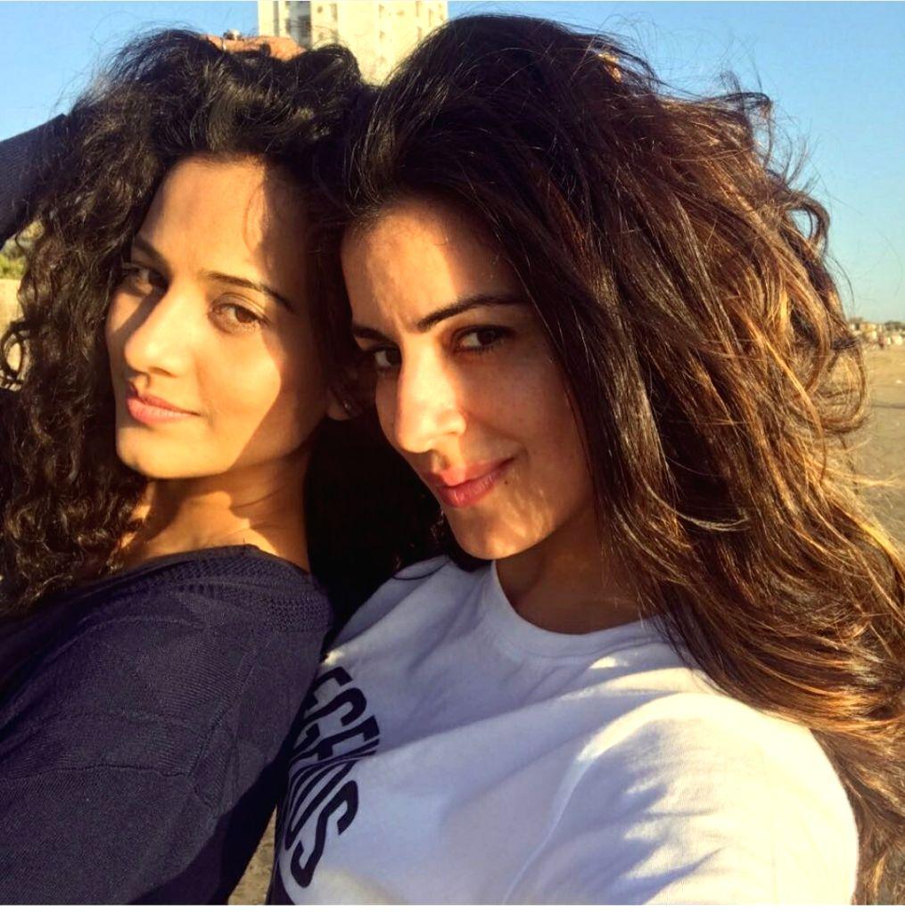 Actresses Heena Parmar and Shradha Arya. - Heena Parmar and Shradha Arya
