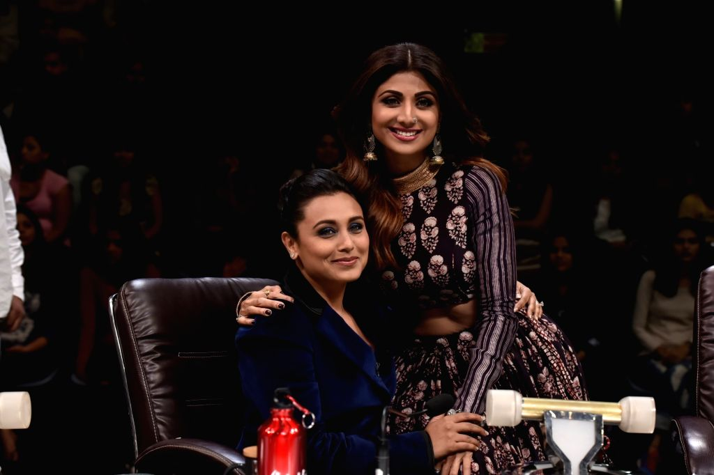 "Actresses Rani Mukerji and Shilpa Shetty Kundra on sets of dance reality show ""Super Dancer Chapter 2"" in Mumbai on Feb 26, 2018. - Rani Mukerji and Shilpa Shetty Kundra"