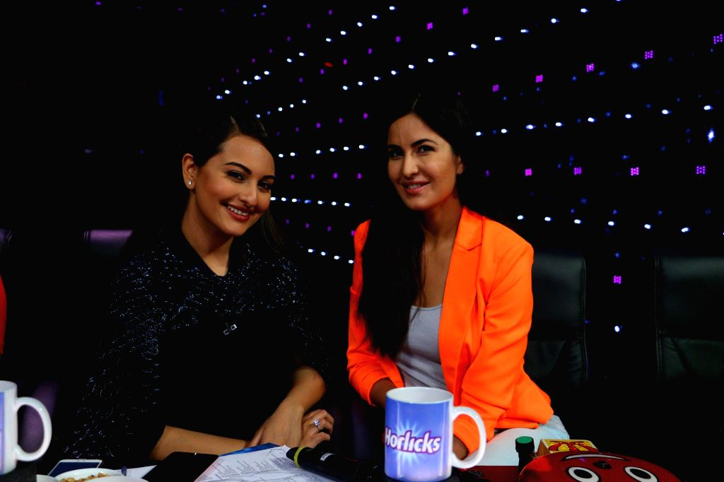 Actresses Sonakshi Sinha and Katrina Kaif during the promotion of film Phantom on the sets of Indian Idol Junior 2015, in Mumbai. - Sonakshi Sinha and Katrina Kaif