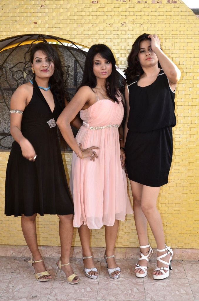 Actressess  M.K, Sweety Sinha and Mahi Sharma during the records song for the film  ``Auto Romance `` in Mumbai  on 22nd April 2014. - Sweety Sinha and Mahi Sharma