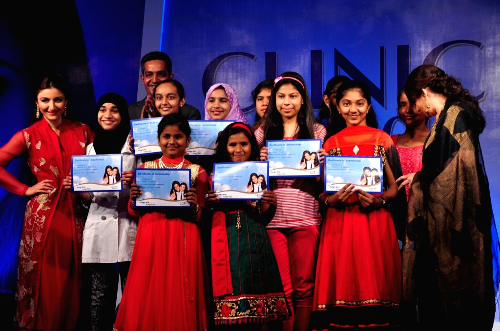 Actressess Soha Ali Khan and Sharmila Tagore scholarship to middle-school girls during the felicitation ceremony of Clinic Plus scholarship programme 2014-15  in Mumbai on 20th Jan 2015.