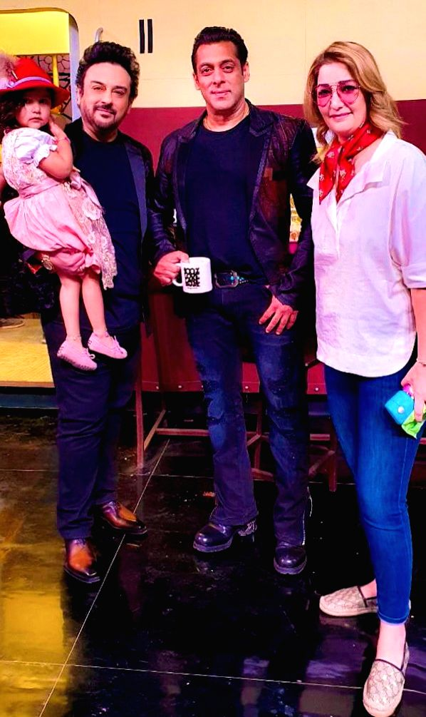 Adnan Sami recently visited the Bigg Boss house with his family! - Adnan Sami