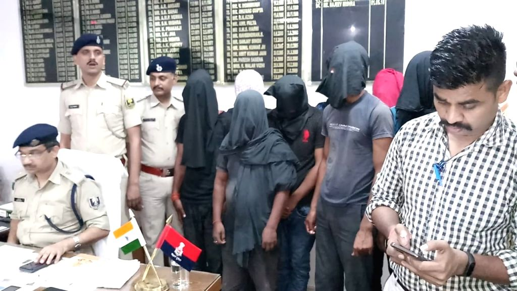 After arresting some members of a vehicle thief gang in Gaya district of Bihar, the police has now busted another gang involved in printing and circulating fake currency notes. This gang carries out ...