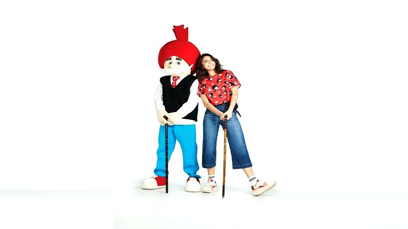 After drawing inspiration from the popular character from the Tinkle comics' Suppandi, actress Anushka Sharma new muse is another famous Indian comic character Chacha Chaudhary for the new collection of her label NUSH. - Anushka Sharma and Chacha Chaudhary