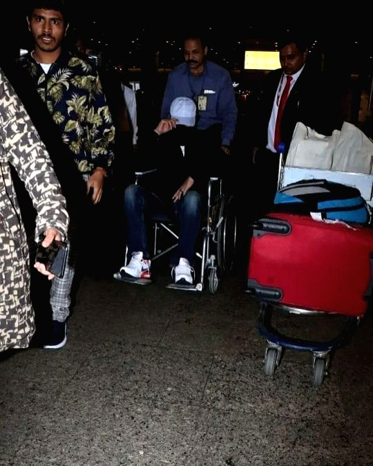 "After shooting for his film ""Angrezi Medium"" in London, actor Irrfan Khan has returned to India. Irrfan was spotted at Mumbai airport on Friday. A lot of pictures are doing the rounds on the Internet in which he is seen hiding his face and using whee - Irrfan Khan"