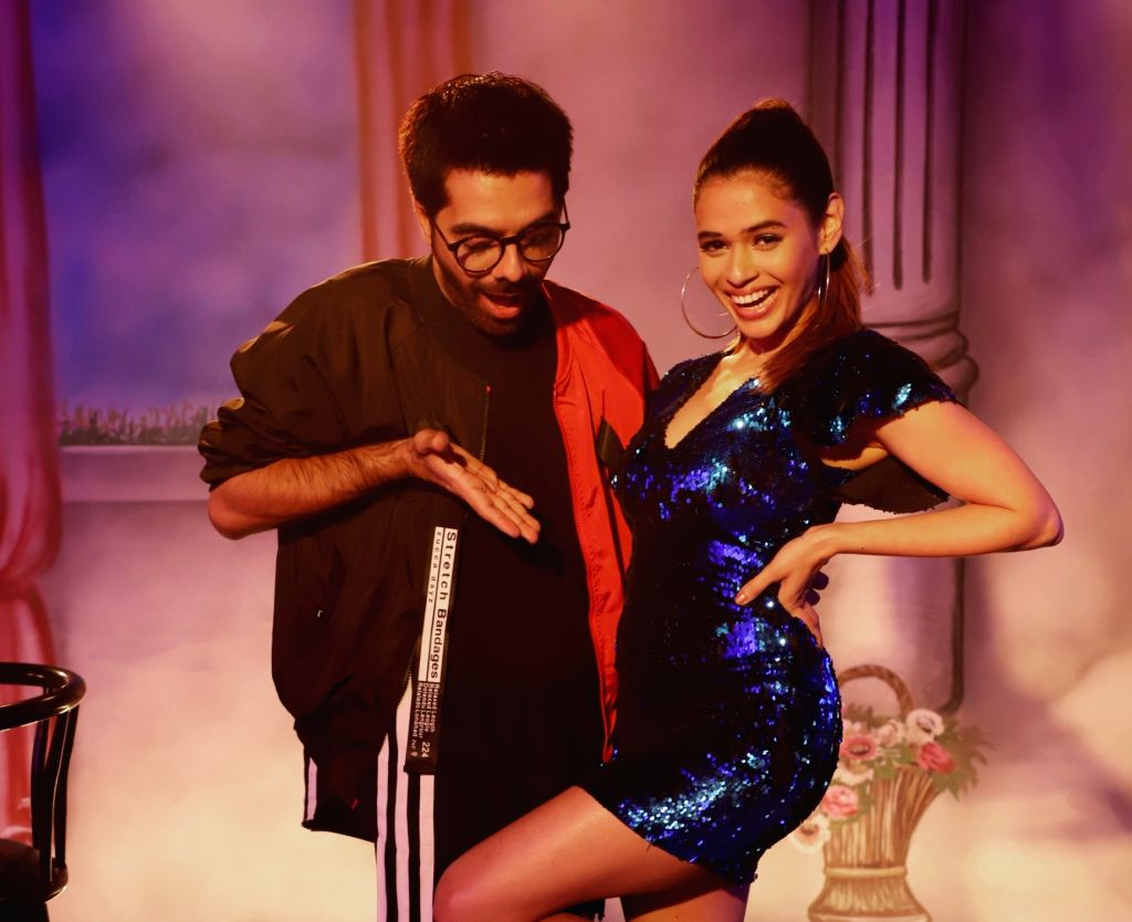 "After working on the track ""Don't be shy again"" from the film ""Bala"", composer duo Sachin-Jigar have once again collaborated with singer Shalmali Kholgade. The non-film song is titled ""Ruka Hoon - Duet"", which has music by Sachin-Jigar, lyrics by Jig"