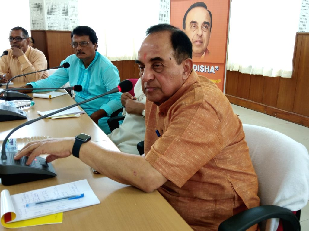 Agartala: BJP MP Subramanian Swamy addresses a press conference, in Agartala on Sept 30, 2018. (Photo: IANS)
