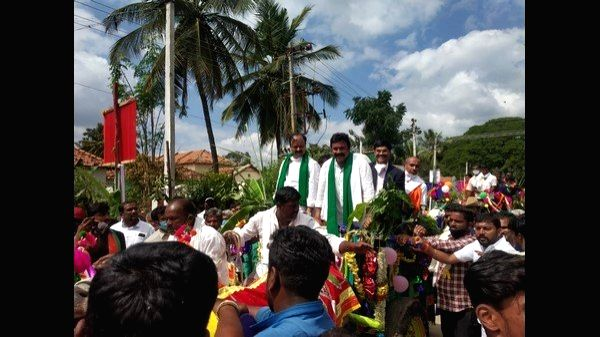 Agri min launches spend a day with farmers.